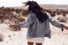 Levi's Festival Looks / Desert / Girls / Fashion Shooting / Indio / California / Gang / Sylvia Haghjoo / Levi Streuss / Customized Jeans