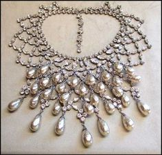 christian dior jewelry set vintage | Vintage 50s Christian Dior Pearls n Crystals Bib Necklace... review at ...