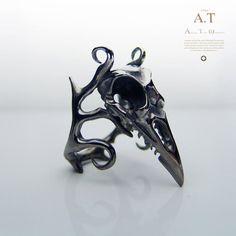 Magicales mundo (niger) - anneau de la Corneille noire, bague crâne gothique / Steampunk / biomécanique / Giger / Tim Burton par TYVODAR sur Etsy https://www.etsy.com/fr/listing/175745249/magicales-mundo-niger-anneau-de-la