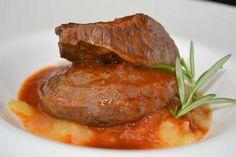 Continuamos la renovación de Cocina Familiar con otra reedición, que en este caso es del plato de carrilleras de cerdo con salsa de Rioja.