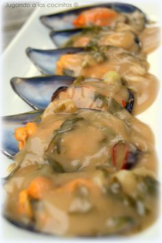 Mussels in seafood sauce - Mejillones en salsa marinera Trout Recipes, Lobster Recipes, Seafood Recipes, Seafood Paella, Fish And Seafood, Raw Food Recipes, Cooking Recipes, Tapas Menu, Spanish Cuisine