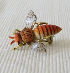 ≗ The Bee's Reverie ≗ bee brooch