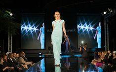 The History of New York Fashion Week - Fashion Worldwide What Is Fashion, Fast Fashion, World Of Fashion, Love Fashion, Fashion Show, Catwalk Fashion, Female Fashion, Fashion Weeks, Fashion Women