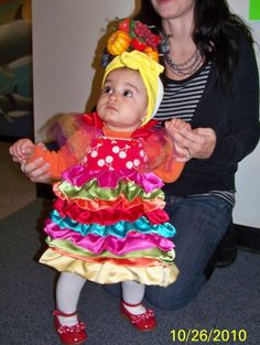 Luci is in her home made Carmen Miranda costume! Submitted by Kelsey Madrid, Sparks, NV Family Halloween Costumes, Baby Costumes, Cool Costumes, Halloween Kids, Costume Ideas, Carmen Miranda Costume, Fruit Party, Seasonal Decor, Annie