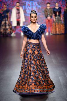 Charu Parashar at Lotus Make-Up India Fashion Week autumn/winter 2019 Indian Bridesmaid Dresses, Indian Wedding Outfits, Indian Outfits, Indian Fashion Dresses, Girls Fashion Clothes, Fashion Outfits, Best Designer Dresses, Indian Designer Outfits, Designer Lehnga Choli