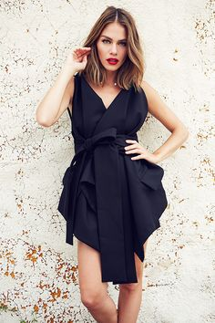 594 Best Celebrity Dresses images in 2019 Marie Pier Morin, Look 2015, Fashion And Beauty Tips, Black White Fashion, Celebrity Dresses, Mode Inspiration, Dress Me Up, Pretty Hairstyles, Her Hair