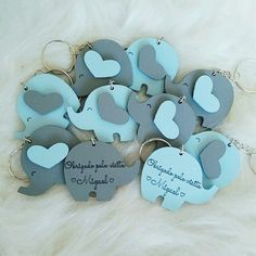 Lembrancinha elefantinho cinza e azul personalizado no Baby Shower Brunch, Baby Boy Shower, Shower Favors, Party Favors, Elephant Baby Shower Centerpieces, Baby Shower Souvenirs, Gender Reveal Party Decorations, Baby Shawer, Baby Gifts