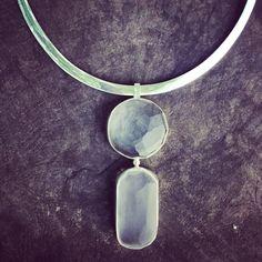 Glass and silverjewelry made by Malin Mena #glastornetstudioglashytta #malinmena #glass #handmade #silverjewelry www.malinmena.se