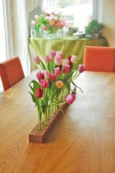 Decorating-ideas-for-table-decoration-with-fresh-spring-flowers.jpg (600×903)