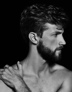 Krisnoff shares with us his recent portrait series featuring the handsome Dake Lindelef represented by Ford Models.