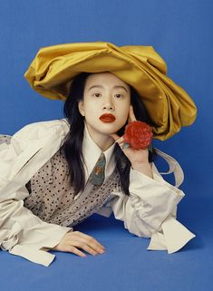 Editorial : anammv: The Portraits of Modern Chinese Beauty for Harper's… anammv: The Portraits of Modern Chinese Beauty for Harper's Bazaar China April 2018 photographed by Liu Zongyuan Styled by Cathy Dong Hair by Bon Fan Zhang Makeup Habeeb Ansari Editorial Photography, Portrait Photography, Fashion Photography, Fashion Foto, Mode Editorials, Editorial Fashion, Fashion Trends, How To Pose, Fashion Advice