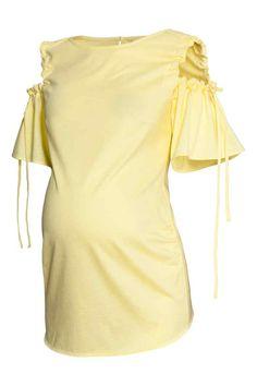 MAMA Cold shoulder top - Light yellow - Ladies | H&M GB 1