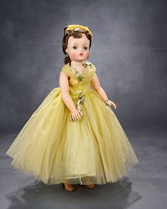 Madame Alexander, The Rodney Waller Collection: Part Two: 145 Splendid Brunette Cissy in Yellow Tulle Gown, Cascading Garlands, Alexander, 1958 Old Dolls, Antique Dolls, Glamour Dolls, Madame Alexander Dolls, Tulle Gown, Vintage Gowns, Collector Dolls, Beautiful Dolls, Fashion Dolls