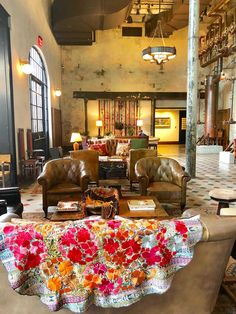 The Hotel Emma Where Industrial Meets Luxury - Cindy Hattersley Design New York Architecture, Historical Architecture, San Antonio Hotels, Hotel Emma, Roman And Williams, Masculine Interior, Hotel Food, Beautiful Hotels, Travel And Leisure