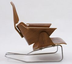 Charles Eames (American, 1907-1978) and Ray Eames (American, 1912-1988). Lounge Chair. c. 1944. Molded plywood and steel rod