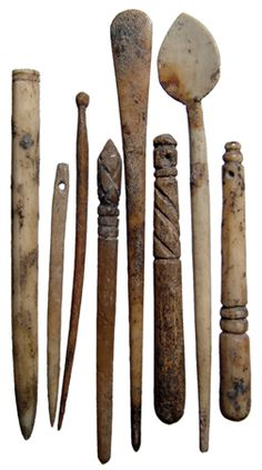 Vikings were excellent wood carvers and these items show they were just as handy carving bone. Ancient Vikings, Norse Vikings, Ancient Rome, Ancient History, Historical Artifacts, Ancient Artifacts, Roman Artifacts, Rome Antique, Bone Crafts