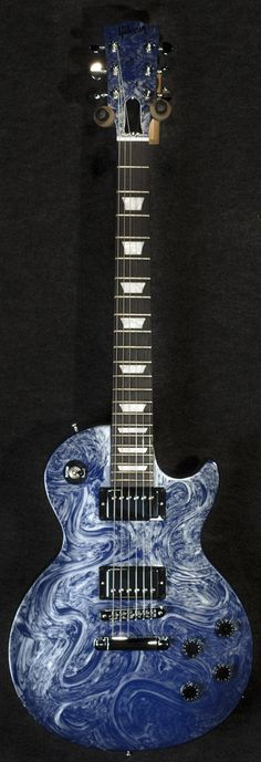 Used Gibson Les Paul Studio in Silver Blue Swirl with Case - $1,299.99