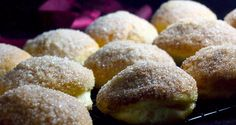Pieczone pączki nadziewane jabłkami z syropem klonowym/Baked apple and maple doughnuts