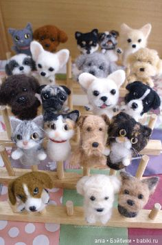 Puppies and kittens Dog Crafts, Animal Crafts, Cute Crafts, Felt Dogs, Felt Cat, Needle Felted Animals, Felt Animals, Wet Felting, Needle Felting