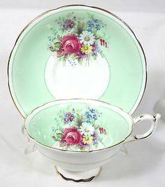 ELEGANT PARAGON BONE CHINA CUP & SAUCER PRETTY PASTEL GREEN BACKGROUND FLORAL