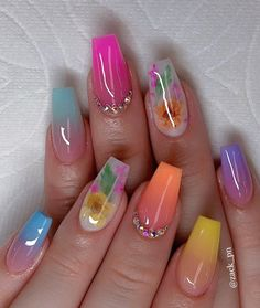 Beautiful Short Gel Nail Art Designs and Ideas in 2019 Gel nail has become a lot of and a lot of widespread in recent years. Gel nails area unit higher than acrylic resins as a result of they… Neon Nails, Dope Nails, My Nails, Tribal Nails, Gel Nail Art Designs, Short Nail Designs, Summer Acrylic Nails, Best Acrylic Nails, Summer Nails