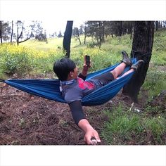 Tak ajakin main hammock mau dek ? Sini mainan hammock sama abang  #hammock #hammocklife #hammock_id #hammockindonesia #hammocknesia #petualang #pendakiindonesia  #like4like #instalike #instafollow #id_pendaki  #mountainesia by @arvansanusi27