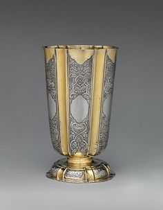 (master in died Beaker, ca. Altar, Bowls, Gold Palette, Grey And Gold, Metal Crafts, Art Object, Religious Art, Metropolitan Museum, Metal Working