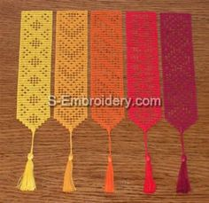 Filet Crochet Bookmarks for sale, but these would be easy to duplicate                                                                                                                                                     Más