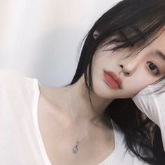 Find images and videos about girl, cute and korean on We Heart It - the app to get lost in what you love. Pretty Korean Girls, Cute Korean Girl, Cute Asian Girls, Beautiful Asian Girls, Cute Girls, Uzzlang Girl, Korean Beauty, Asian Beauty, Korean Makeup