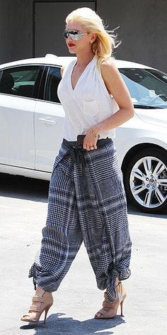 I love these crazy pants...not that I'd ever wear them ;)