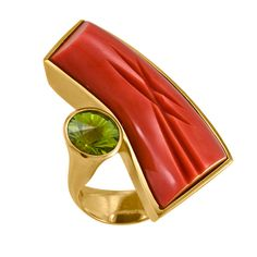 Tom Munsteiner - ring - coral green tourmaline 18k gold