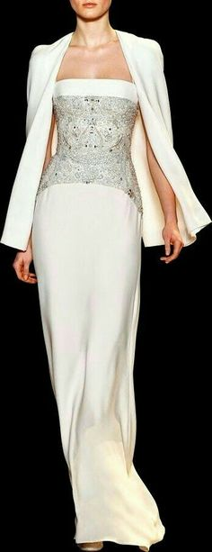 Evening gown, couture, evening dresses, formal and elegant ELIE SAAB Haute Couture Spring Summer 2013 Couture Fashion, Runway Fashion, Fashion Show, Fashion Design, Fashion Fashion, Fashion Women, Beautiful Gowns, Beautiful Outfits, Gorgeous Dress