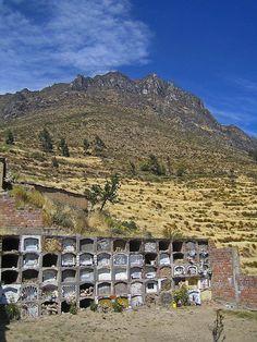 Sepulcro de Iris - San Juan de Iris, Lima -Peru