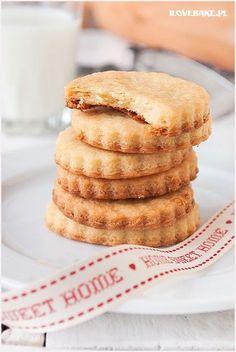 Faworki z mascarpone - I Love Bake Polish Cookies, Breakfast Menu, Happy Foods, Polish Recipes, Cookie Recipes, Sweet Tooth, Deserts, Food And Drink, Sweets