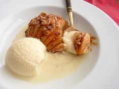 :pastry studio: Baked Hasselback Apples, very good