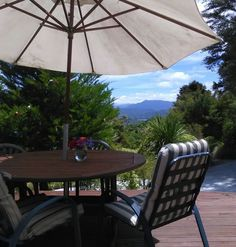 位于新西兰Waikawa的公寓。 Our place is close to the Picton town centre, parks, free breakfast,great mountain sounds views. Our place is good for couples, solo adventurers, and business travellers.    Located on the hills above Picton and Waikawa Bay with sweeping views of ...