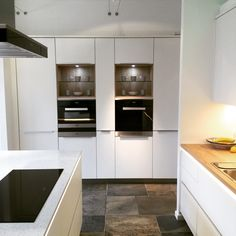 White matt lacquer Ballerina kitchen units