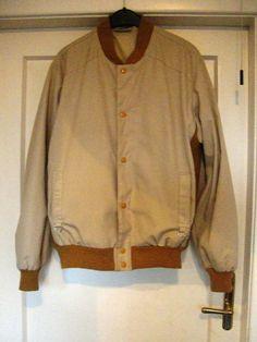 hellbeiges Jacket mit Strick