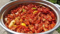 How To Boil An Awesome Cajun Crawfish Boil 2018 How To Cook Crawfish, Cajun Crawfish, Crawfish Recipes, Cajun Cooking, Cooking Recipes, Gumbo, Different Recipes, Fish And Seafood, Food Network Recipes