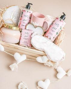 Galentine's Day Gift Basket with Wegmans and Love Beauty and Planet LBPGiftsforGals Wegmans ad Themed Gift Baskets, Diy Gift Baskets, Gift Hampers, Basket Gift, Bestie Gifts, Best Friend Gifts, Gifts For Friends, Gifts For Ladies, Diy Birthday