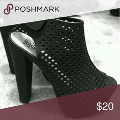 Nice Black Heels Only worn once in great condition very cute and comfortable Shoes Heels