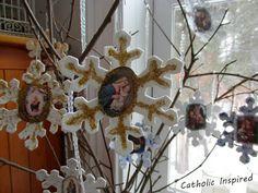 Catholic Snowflakes {Meditating on Jesus' Quiet Life} - Catholic Inspired