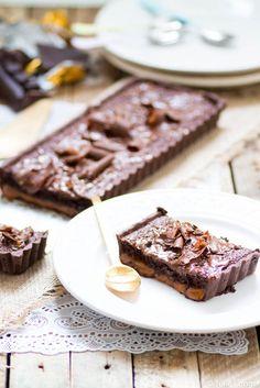 Tarte au caramel et mousse au chocolat cuite, un peu comme un mars...
