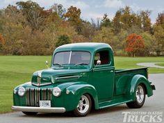 #ford pickup #trucks Pickup Auto, Best Pickup Truck, Classic Pickup Trucks, Ford Classic Cars, Jeep Pickup, Pickup Camper, Chevy Classic, Old Ford Trucks, Old Pickup Trucks