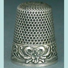 Vintage Sterling Silver Thimble  (Antique Bow  Flowers Metal Thimbles, Waite, Thresher Co, 1900)