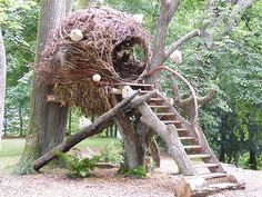 nest tree house Alsace-France - how it feels to be a weaver bird!treehouse nest tree house Alsace-France - how it feels to be a weaver bird! Garden Art, Garden Design, Cool Tree Houses, Tree House Designs, Garden Structures, Land Art, Outdoor Projects, Play Houses, Cubby Houses