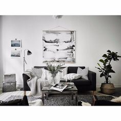 42 Cozy Soft White Couch Design Ideas for Small Living Room - About-Ruth Manly Living Room, Living Room Modern, Living Room Furniture, Living Room Designs, Living Rooms, Paint Furniture, Black And White Living Room Decor, Couch Design, Small Room Design