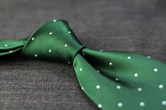 Silk Polka Dot Tie in Green and Silver