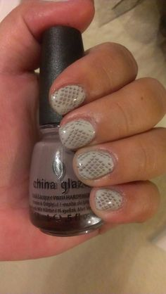 Finally! Fall colors! Neutral Snakeskin (CND Shellac in Cityscape and Avon Speed Dry in Smokey Plumes).