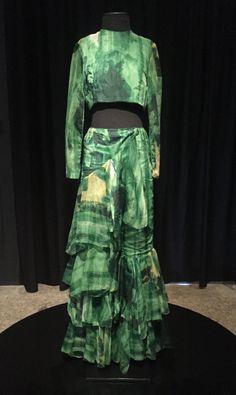 Estilista: Alceu Penna. Conjunto de blusa e calça, década de 1960. Voal Rhodianyl.